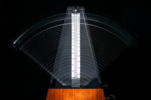 Building technique with a metronome